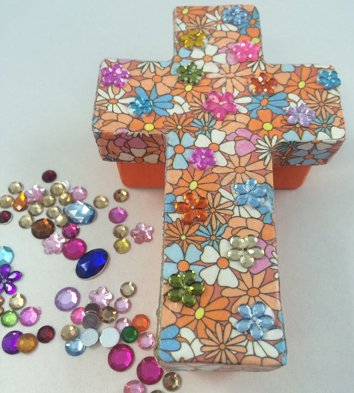 Paper mache christian cross trinket box s s blog for Cross craft for kids