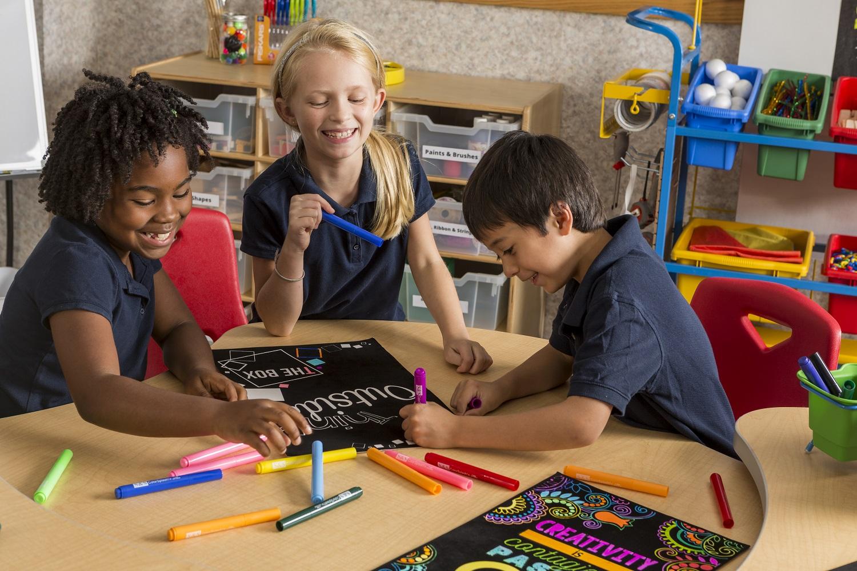 Collaborative art craft kits