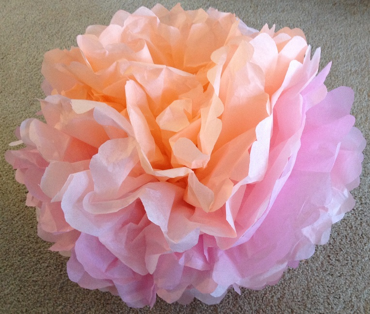 how to make paper flowers with tissue paper How to make colorful tissue paper flowers to celebrate cinco de mayo in your preschool, pre-k, or kindergarten classroom.