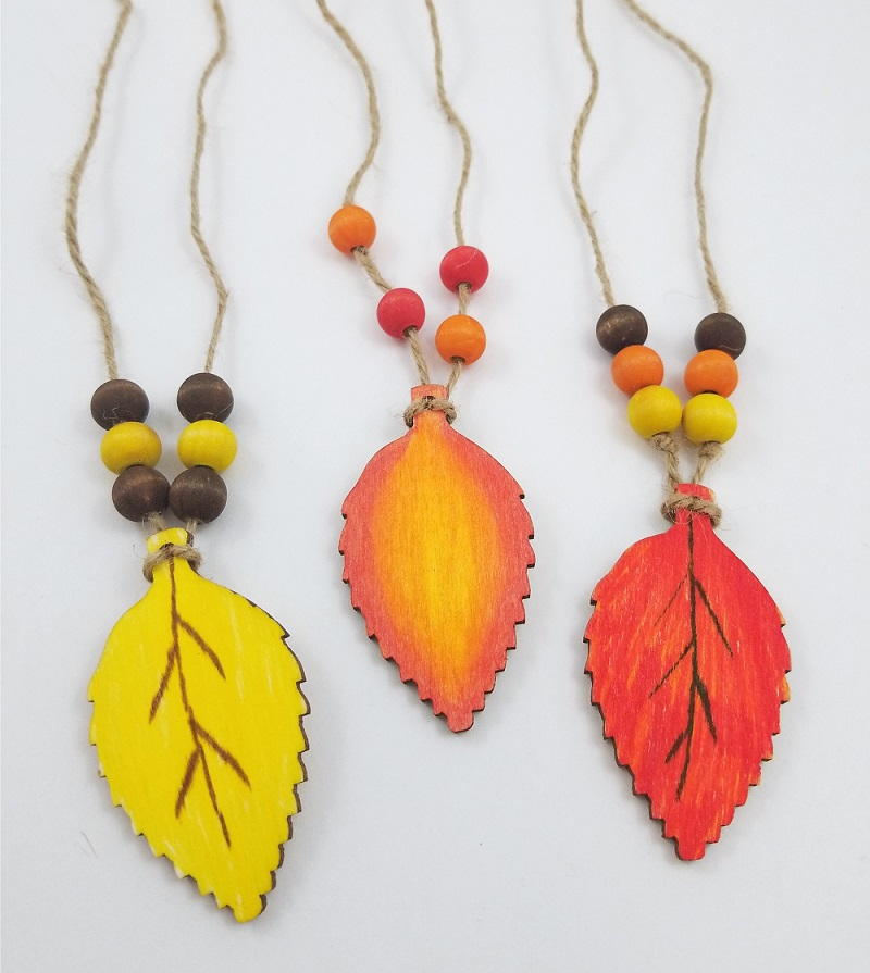 The Perfect Fall Season Accessory This Makes A Fun Craft For Kids Age Wood Leaf Necklace Kit Comes With 12 Projects Total And Includes