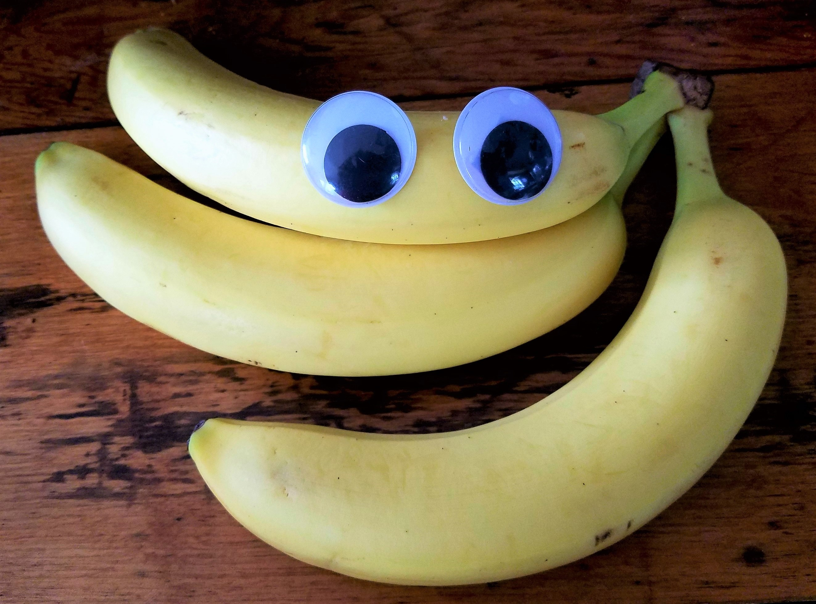 Wiggly eye bananas