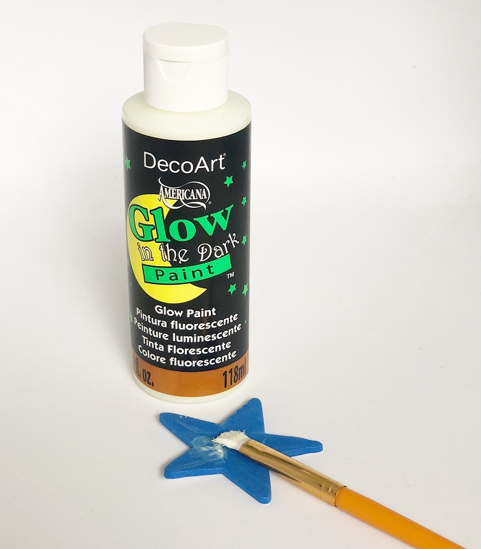 galaxy sensory bin paint