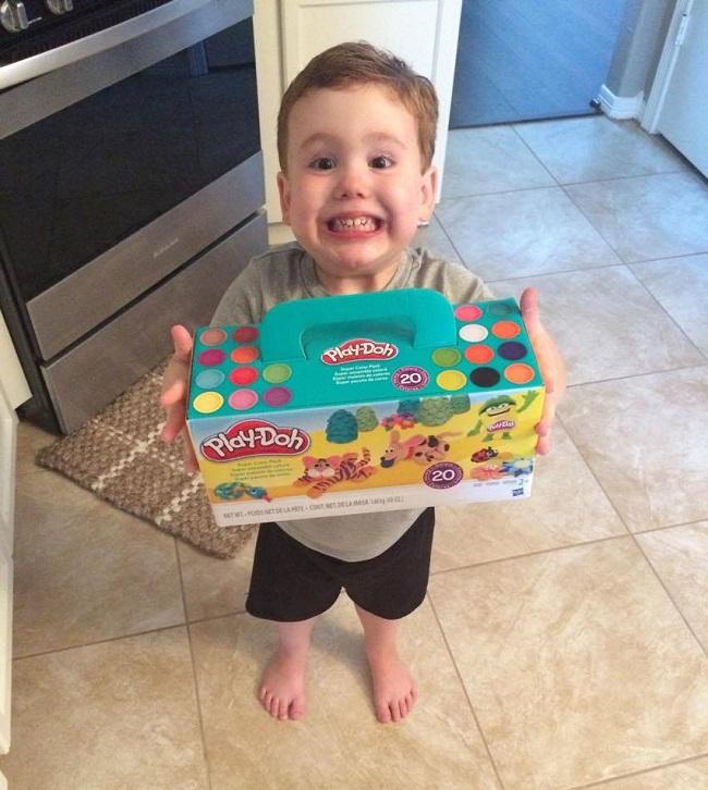 kids love playdoh