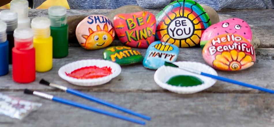 painting rocks spring