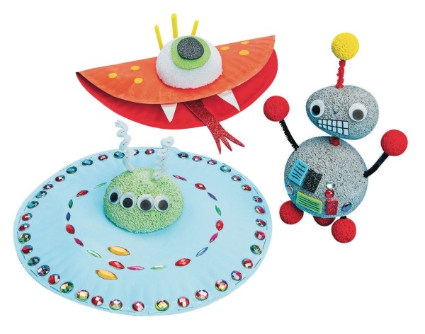 robots and aliens crafts