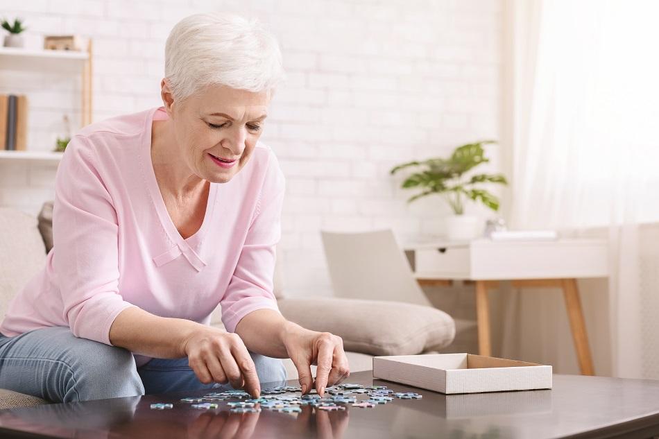 senior living activities winter