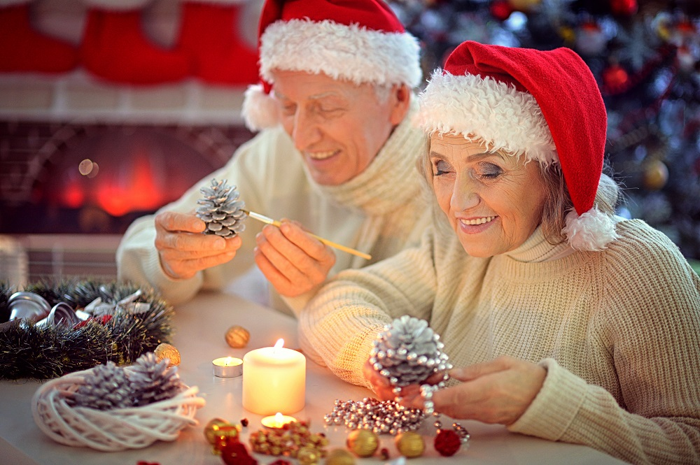 seniors decorating holiday