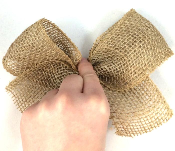simple burlap bow